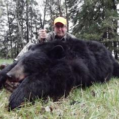 Robert Guillot and a very nice Bear 2014